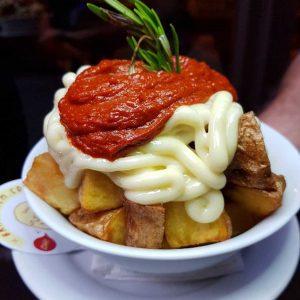 bodega la palma patatas bravas barcelona restaurantes alioli salsas