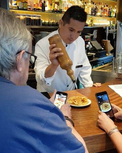 montesquiu rafuel bochilu patatas bravas barcelona restaurantes alioli salsas