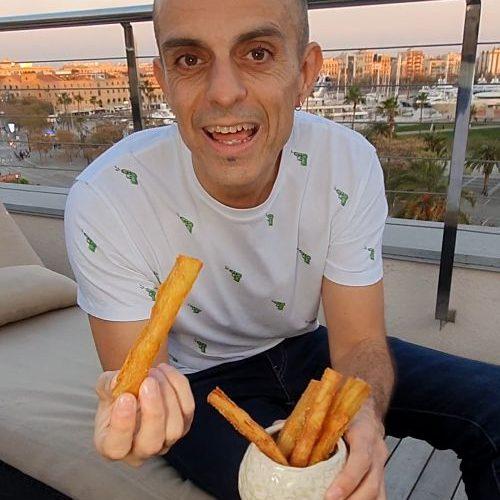 informal patatas bravas barcelona restaurantes alioli salsas